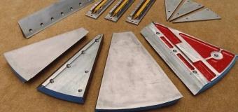 Placas de apoio das facas revestidas pelo processo Maxidur* com resultado altamente resistente ao desgaste por abrasão, atrito, erosão e calor - dureza 55/64 Rc. Para picadores de madeira Carthage e Federal fundição.